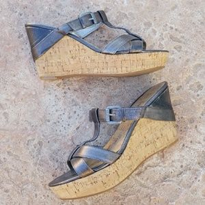 Guess Gunmetal T-strap Bidelia Wedges 8.5